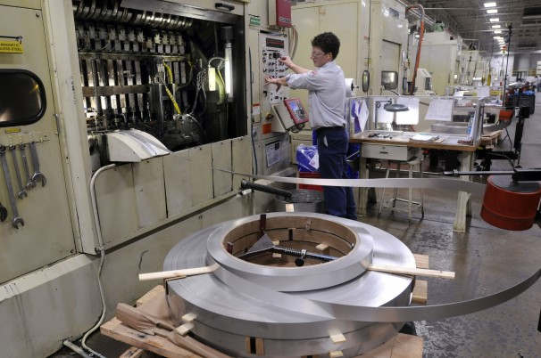 U.S. manufacturing sees shortage of skilled factory workers